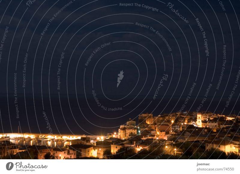 Fischerdorf by night Nacht Meer Wolken dunkel Licht Dorf Italien Marina di Camerota Salerno Langzeitbelichtung Vollmond Himmel hell Beleuchtung Hafen Porto