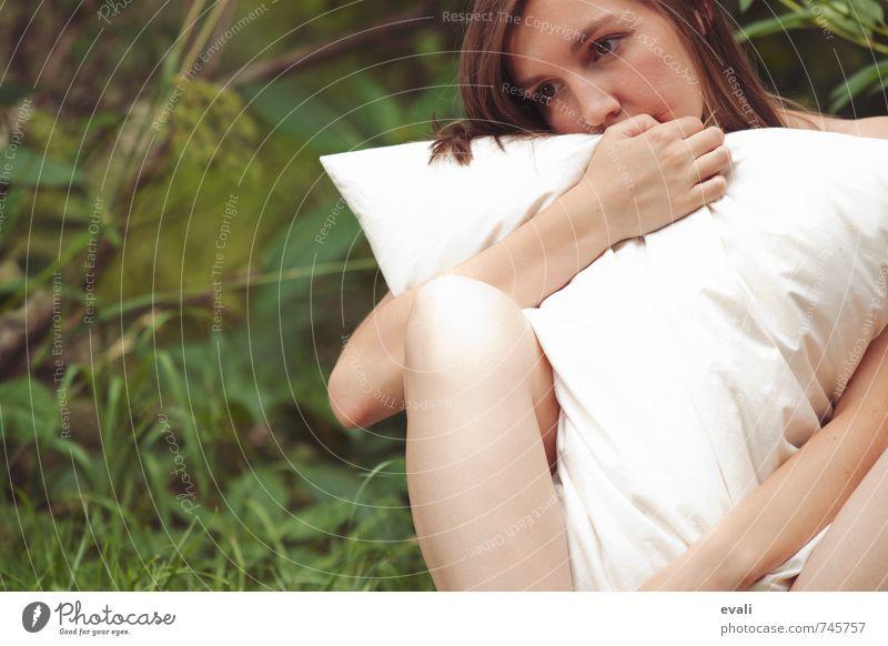 Much needed hugs I Mensch Frau Kind Jugendliche schön weiß Einsamkeit Junge Frau Hand 18-30 Jahre Erotik Erwachsene Gesicht Traurigkeit Gefühle feminin