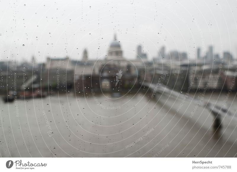 Frühling in London II Himmel Stadt Wolken dunkel Gebäude grau Regen trist Aussicht Wassertropfen Brücke Fluss Skyline Flussufer Stadtzentrum Wahrzeichen