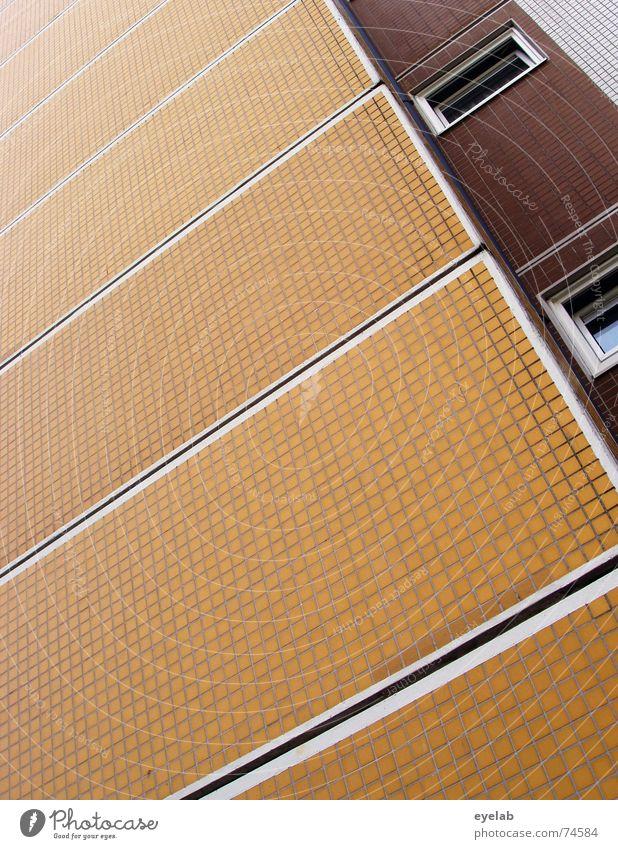 Uninformativer Funktionalismus 1 alt weiß Haus gelb Farbe Wand Fenster Mauer Gebäude braun orange Hochhaus Hoffnung Fliesen u. Kacheln sozial