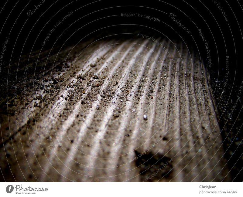 Titellos Spielen Sand Spielplatz Holz geheimnisvoll Borkum Holzmehl Staub Belichtung erleuchten seltsam point play playground dust Punkt Kunstlicht Schatten
