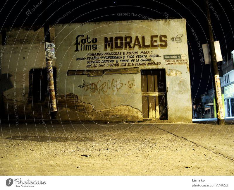 Foto Morales Fotografie Nacht Langzeitbelichtung old night long-exposed street alt Straße