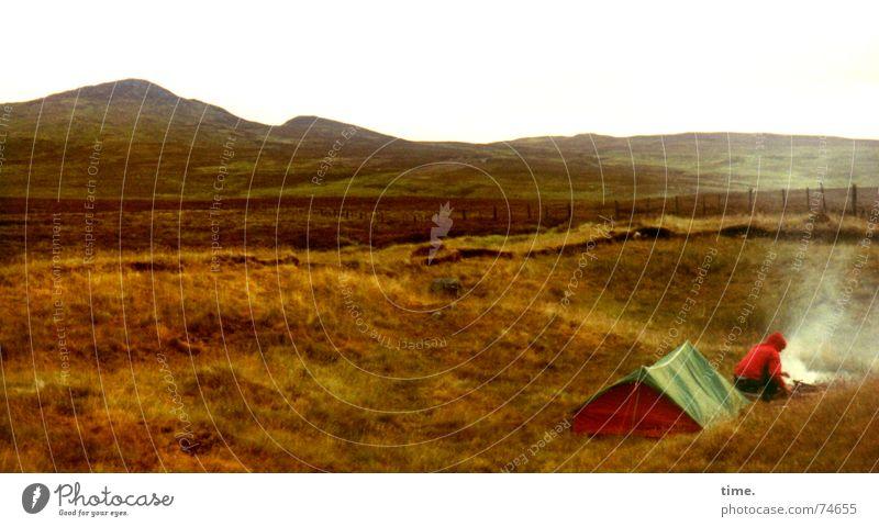 Highlander Abend Ernährung Ferien & Urlaub & Reisen Ferne Camping Landschaft Rauch bescheiden Pause Zeit Schottland Highlands Zelt zündeln Pampa unterwegs