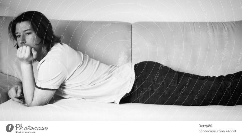 Dreaming of... Mann schwarz weiß träumen Gedanke Trauer Denken Stimmung Gefühle Hoffnung Wunsch Erwartung Langeweile Schwarzweißfoto liegen in gedanken sein