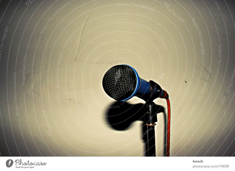 mic. Musik microphone dark object plain poorness Mauer Innenaufnahme