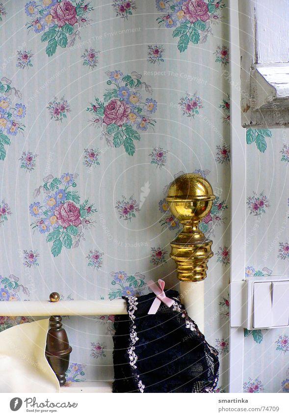 Bon jour chérie    IV. Zeit Romantik Bett Tapete Frankreich Unterwäsche Schlafzimmer aufwachen BH Hotelzimmer Messing Guten Morgen