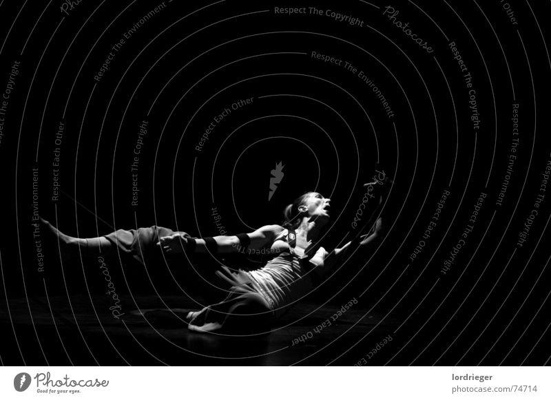 tanzperformance: EGO Bewegung Luft Tanzen egoistisch