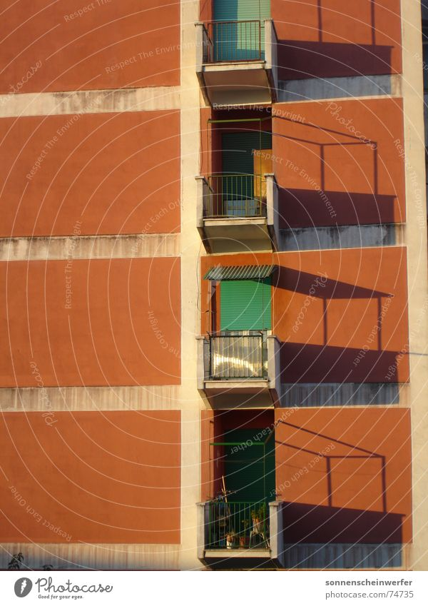 Balkone in Rom San Basilio Fassade anonym