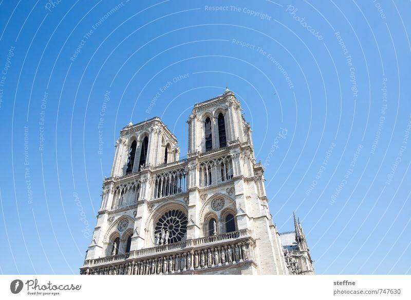 Around the World: Paris Kirche Glaube Religion & Glaube Notre-Dame Schönes Wetter Wolkenloser Himmel Farbfoto Menschenleer Textfreiraum links
