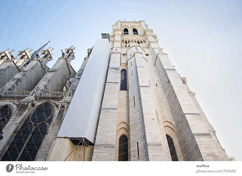 Kirche II Frühling Schönes Wetter Paris Sehenswürdigkeit Wahrzeichen Religion & Glaube Notre-Dame Baugerüst Froschperspektive Farbfoto Textfreiraum rechts