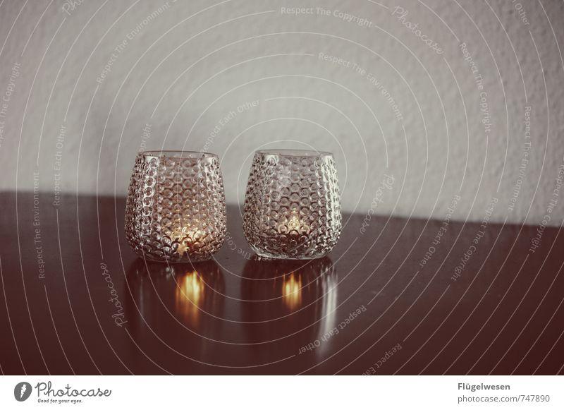 verliebt. Liebe Glück Feste & Feiern Paar Zusammensein genießen Tisch Romantik Hochzeit Kerze Verliebtheit Wohnzimmer Flamme Abendessen Verabredung Treue