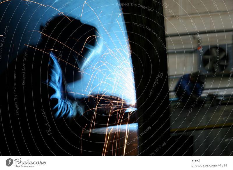 asteboland Arbeit & Erwerbstätigkeit Energiewirtschaft Elektrizität Lagerhalle anstrengen Außerirdischer schwer Funken Schweißen Kessel