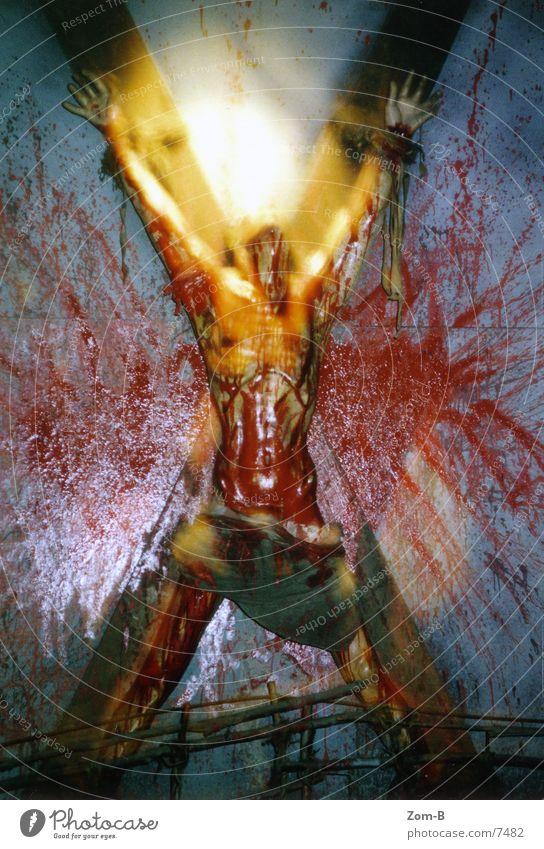 london_dungeon_01 England Justizvollzugsanstalt Qual Folter Kruzifix Ekel historisch london dungeon Blut viel blut sehr viel blut!!! Tod Schmerz