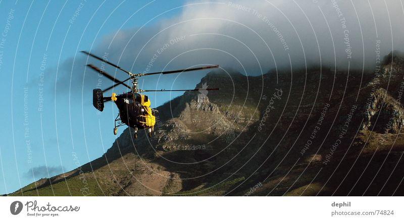 Wirklich da oben? Himmel Wolken Berge u. Gebirge fliegen Hubschrauber Südafrika Afrika Windkraftanlage Rotor Kapstadt Tafelberg Western Cape