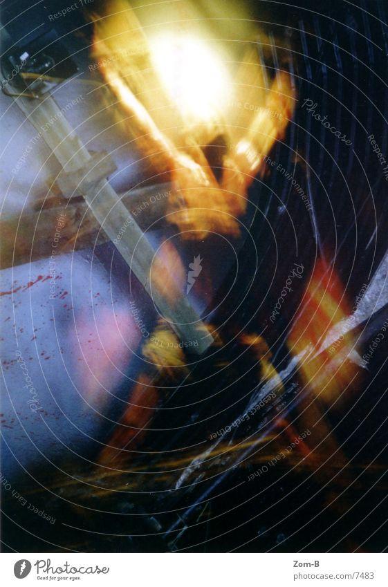 london_dungeon_02 Tod Schmerz Blut Ekel England Kruzifix Justizvollzugsanstalt Christliches Kreuz Religion & Glaube Christentum Qual Fototechnik Folter