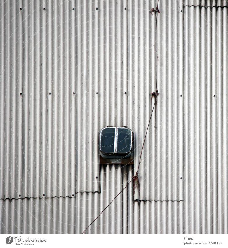 Lichtblick alt Fenster Wege & Pfade Design Ordnung trist Kreativität einfach Vergänglichkeit Dach Güterverkehr & Logistik Sicherheit Gelassenheit Konzentration Dienstleistungsgewerbe trashig
