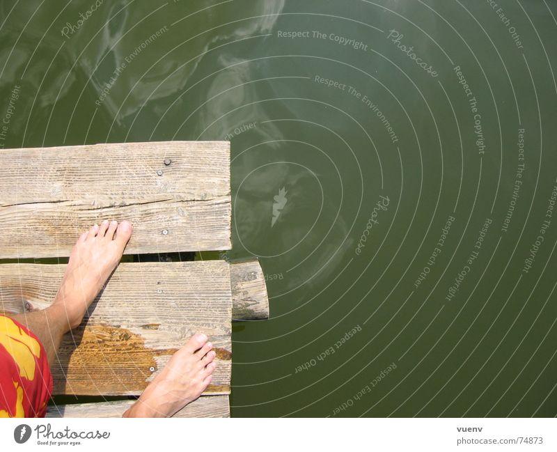Ein Tag am See Wasser Sommer Fuß Schwimmen & Baden Haut Steg Teich Badehose