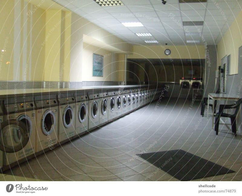 waschen, schleudern, trocknen Waschsalon Automat Waschmaschine Zentrifuge wischiwaschi Gebäude Wäsche waschen Waschtag