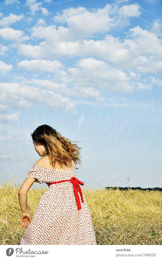 last summer feminin Mädchen junges Mädchen Jugendliche Junge Frau Kind Kindheit Kopf Haare & Frisuren 8-13 Jahre Umwelt Natur Landschaft Himmel Wolken Sommer