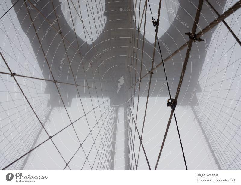 Die Brooklyn Bridge und der Nebel II Ferien & Urlaub & Reisen Sightseeing Städtereise Wind Regen Sehenswürdigkeit Wahrzeichen rennen New York City