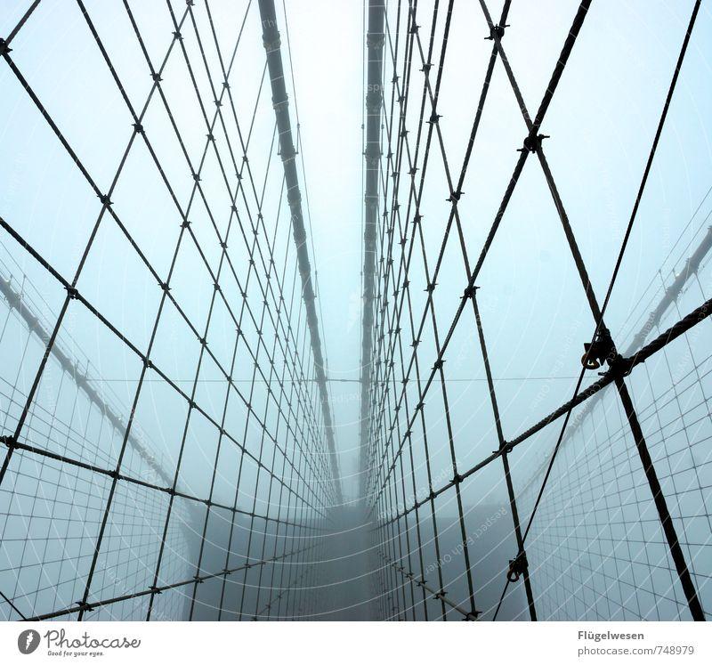 Die Brooklyn Bridge und der Nebel III Natur Ferien & Urlaub & Reisen Umwelt Architektur Wetter Brücke Sicherheit Bauwerk Unwetter Skyline Stadtzentrum
