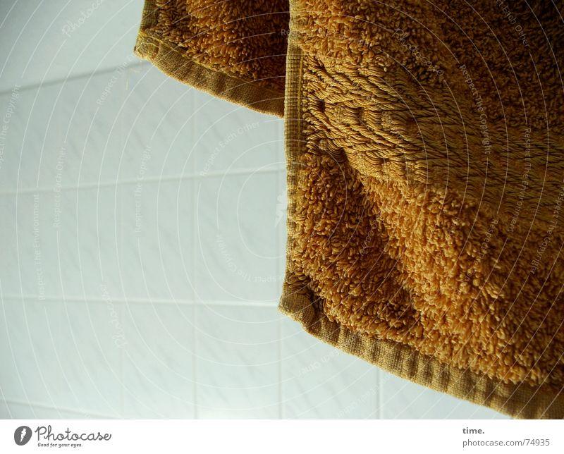 7 h 23 Erholung frisch Bad Reinigen Fliesen u. Kacheln Körperpflege hängen Schweben Wohlgefühl trocknen Handtuch luftig