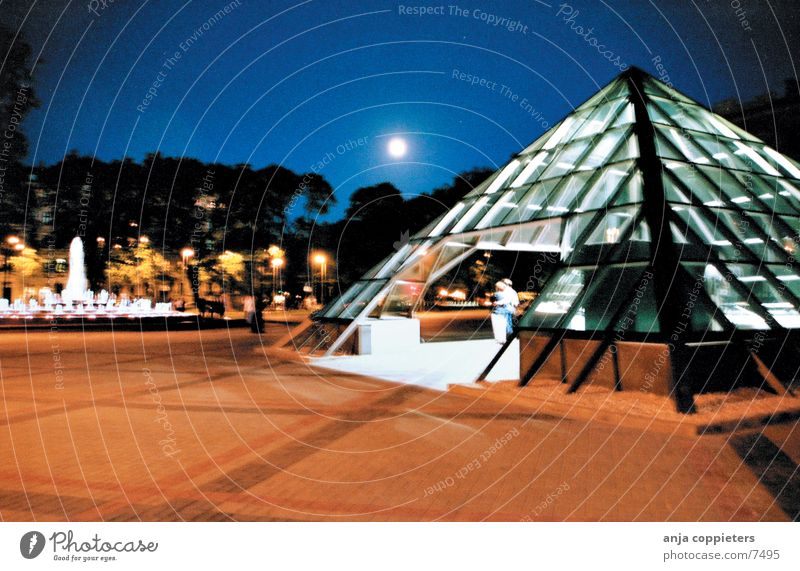pyramid Architektur Design modern Pyramide Lettland Riga