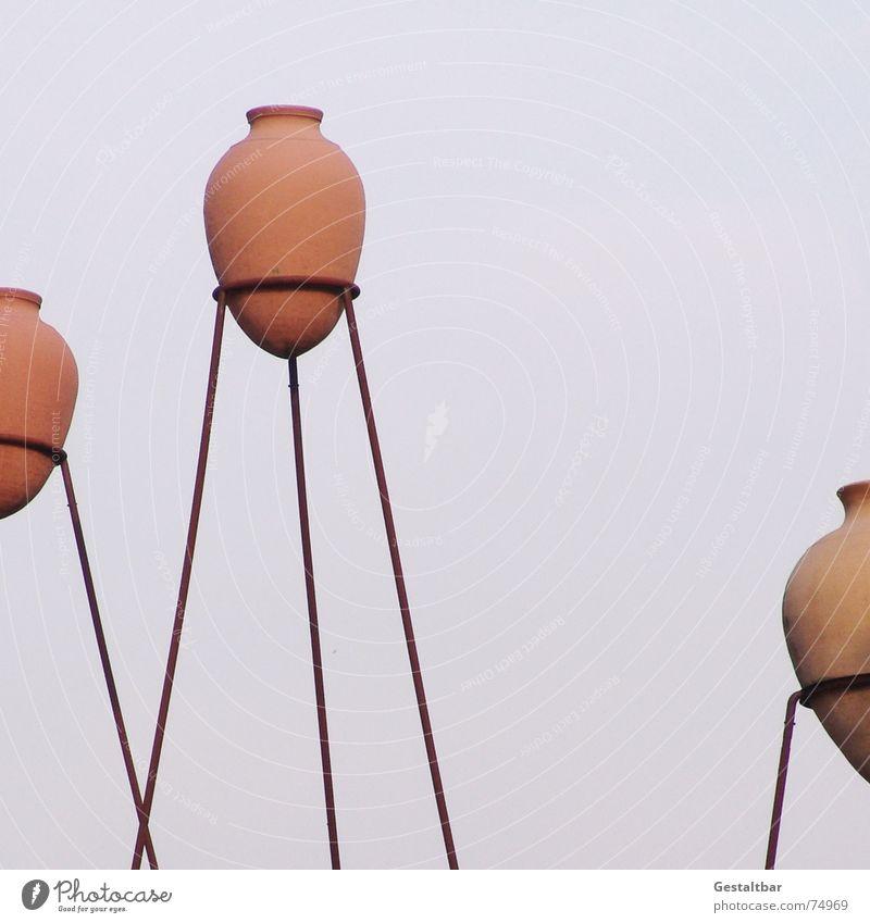 Baden in Baden-Baden Heisse Quellen Amphore Gestell Kunstwerk Badehaus Kultur netzartig Ständer Hochkultur Wahrzeichen Denkmal schön Kurhaus tontöpfe