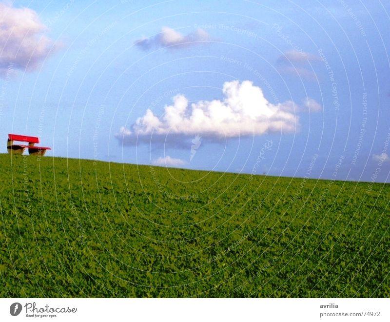Rast auf der roten Bank Wiese Wolken Pause Deich grün weiß ruhig Einsamkeit Stimmung Himmel blau Erholung Nordsee Insel Glück