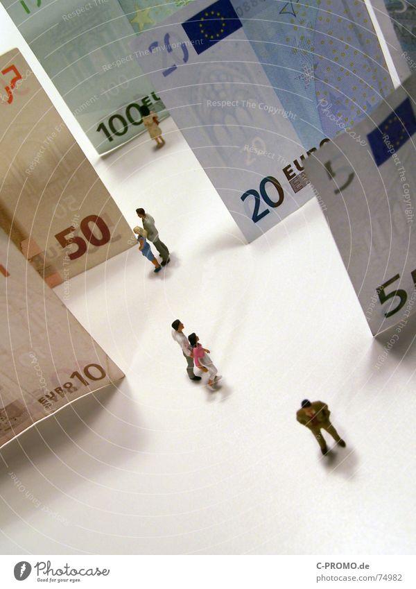 Schöne Eurowelt Aktien Altersversorgung Billig Einkommen Steigung Europa Kapitalwirtschaft Kredit Frau Geld Geldscheine Hintergrundbild Kies Geschäftsleute Mann