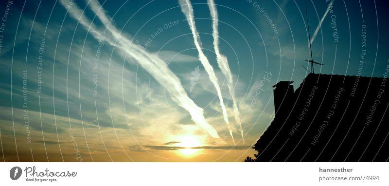 SONNENHAUS Himmel Natur alt blau grün Sonne Ferien & Urlaub & Reisen Sommer Wolken Haus Ferne kalt dunkel Fenster Wand Freiheit
