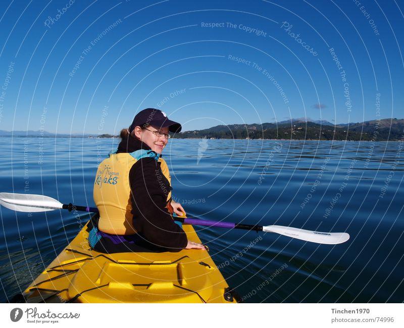 Ein Traum im Abel Tasman NP, Neuseeland Wasser Himmel blau ruhig gelb Sport Kanu Freiheit Landschaft Wasserfahrzeug Horizont Schönes Wetter Paddel Kajak