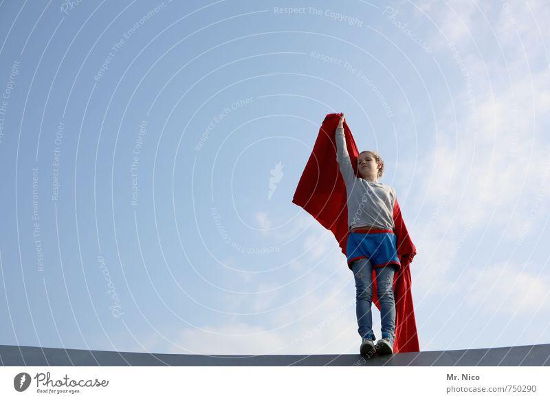supergirl III Kind Himmel rot Mädchen Freude feminin Gebäude Spielen Glück oben Mode Freizeit & Hobby Lifestyle Zufriedenheit Kindheit stehen