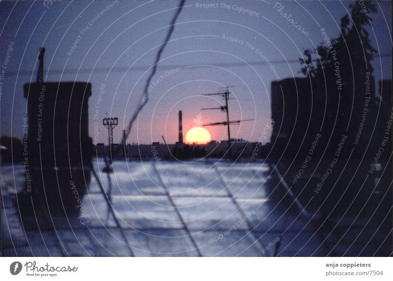 Abends Himmel Sonne dunkel Dach Jugendstil