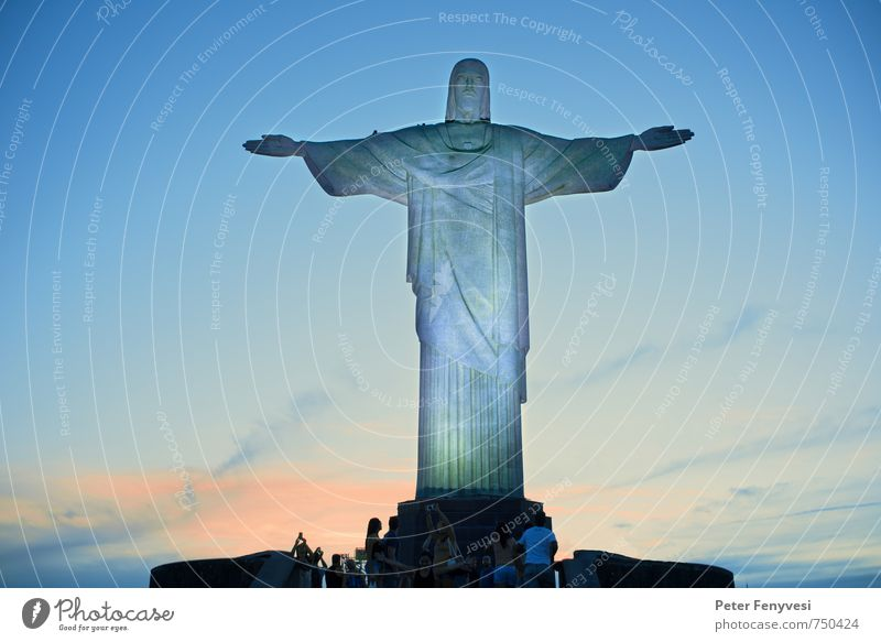 Rio de Janeiro 7 Skulptur Brasilien Amerika Südamerika Stadt Sehenswürdigkeit Wahrzeichen gigantisch hoch blau Stimmung Glaube Freiheit Religion & Glaube
