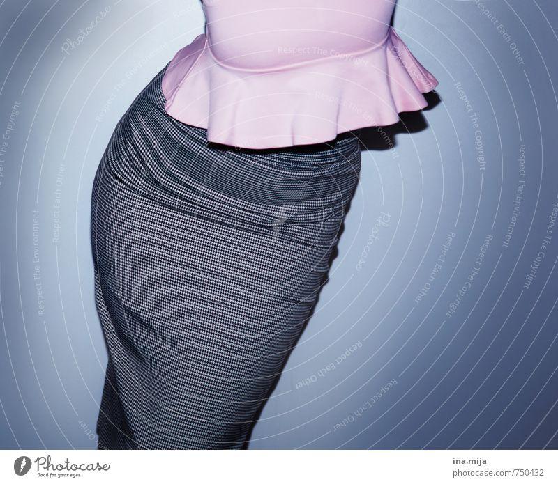 und fast ist er weg, der winterspeck ;-D Mensch feminin Junge Frau Jugendliche Erwachsene Körper 18-30 Jahre 30-45 Jahre Mode Bekleidung Arbeitsbekleidung Rock