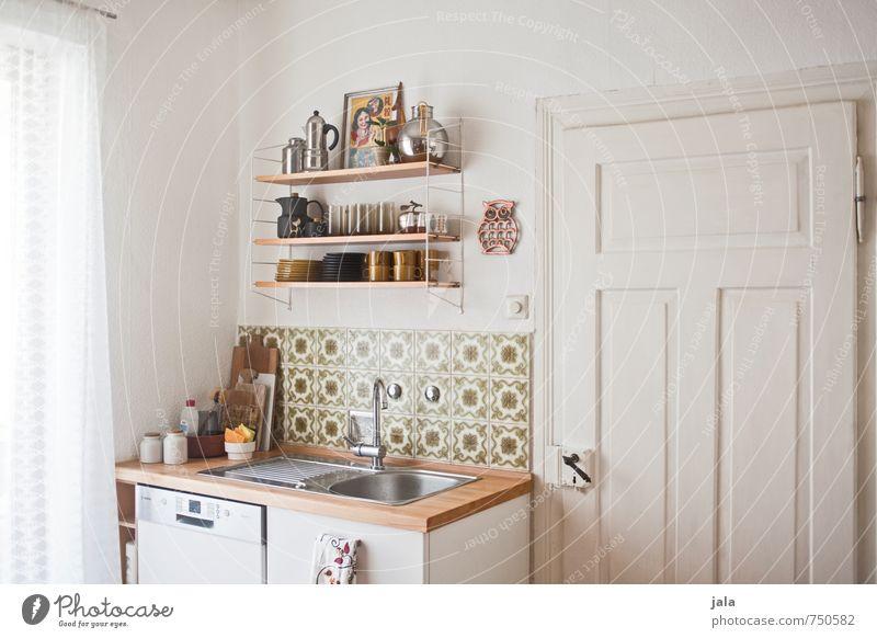 spülecke Fenster Innenarchitektur hell Wohnung Häusliches Leben Tür ästhetisch Freundlichkeit Sauberkeit Küche Möbel Geborgenheit Reinlichkeit Regal