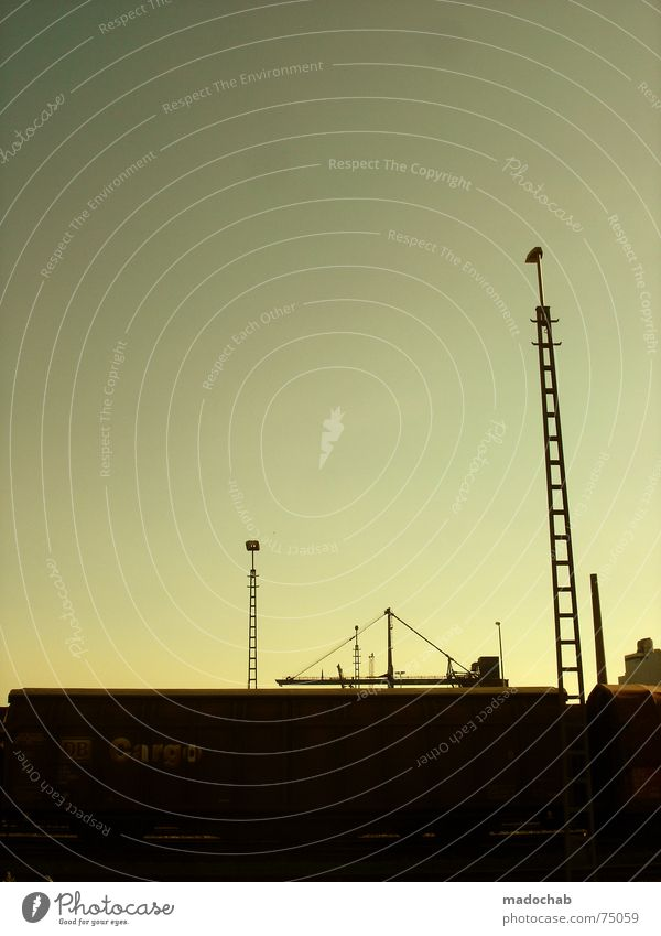 URBANLOVE™ 1 | city stadt romantik idylle sonnenuntergang Himmel blau Wolken Haus Fenster Leben Architektur Gebäude Freiheit fliegen oben