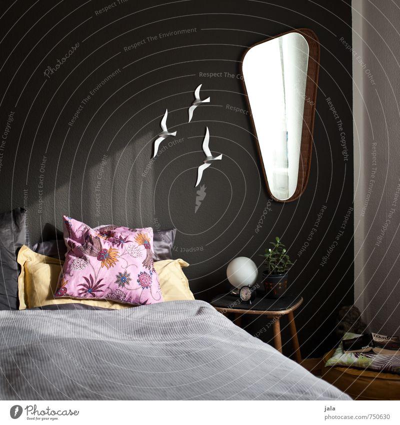 sonnenlicht Häusliches Leben Wohnung Innenarchitektur Dekoration & Verzierung Möbel Lampe Bett Spiegel Raum Schlafzimmer beistelltisch Kissen ästhetisch