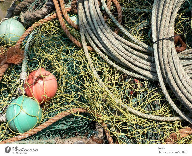 fischertechnik grün rot gelb grau Seil Fisch Netzwerk Hafen Stillleben Partnerschaft chaotisch Angeln durcheinander Fischer Portwein