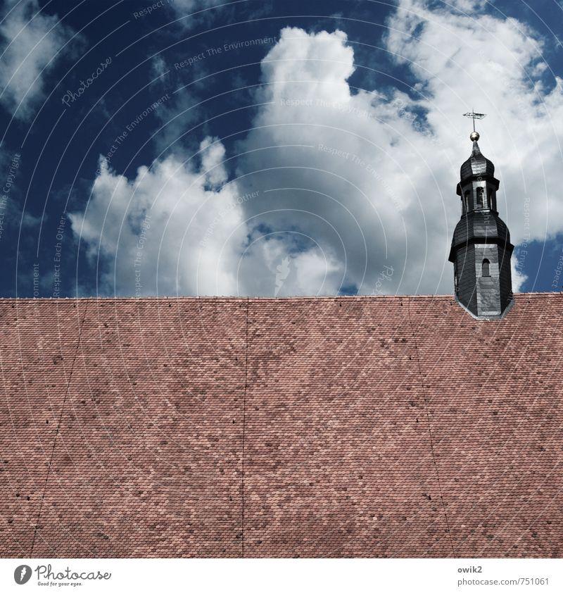 Wegweiser Umwelt Himmel Wolken Schönes Wetter Jüterbog Landkreis Teltow-Fläming Deutschland Kirche Bauwerk Gebäude Architektur Dachreiter Dachziegel einfach