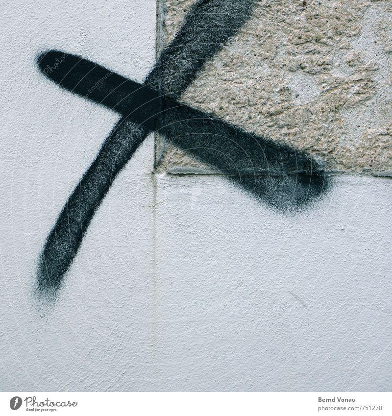 fett ankreuzen Kreuz wählen Wand schwarz grau sprühen Farbdose Graffiti Putz Nebel Vandalismus Stadt Schilder & Markierungen Zeichen Symbole & Metaphern Neigung