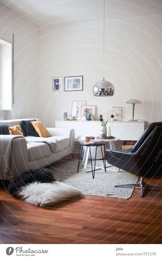 wohnraum Häusliches Leben Wohnung Innenarchitektur Dekoration & Verzierung Lampe Sofa Sessel Tisch Wohnzimmer ästhetisch Freundlichkeit gut modern natürlich