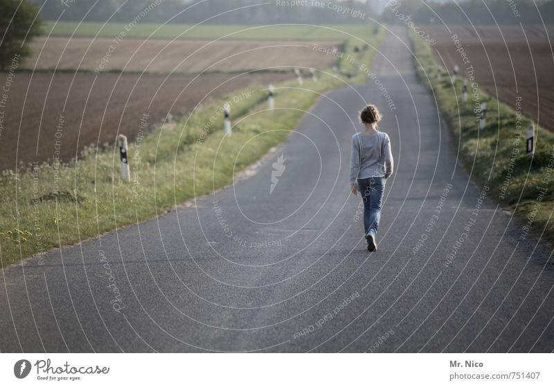 wohin gehst du ? Erholung ruhig Ferien & Urlaub & Reisen Ferne Freiheit wandern feminin 1 Mensch 8-13 Jahre Kind Kindheit Umwelt Natur Landschaft Pflanze Gras