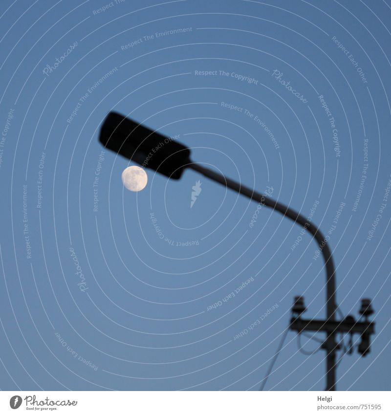 Mondlicht... Technik & Technologie Energiewirtschaft Umwelt Natur Wolkenloser Himmel Frühling Schönes Wetter leuchten stehen außergewöhnlich dunkel einzigartig
