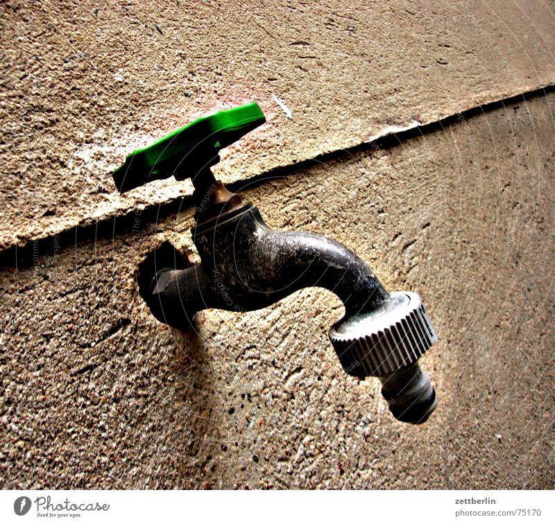 Wasser Wasserhahn Gußeisen Pflanze Hausmeister Bewässerung lebensmittel nr. 1 wasserkran armatur einradmischer Bauernhof Garten versteppung Klimawandel