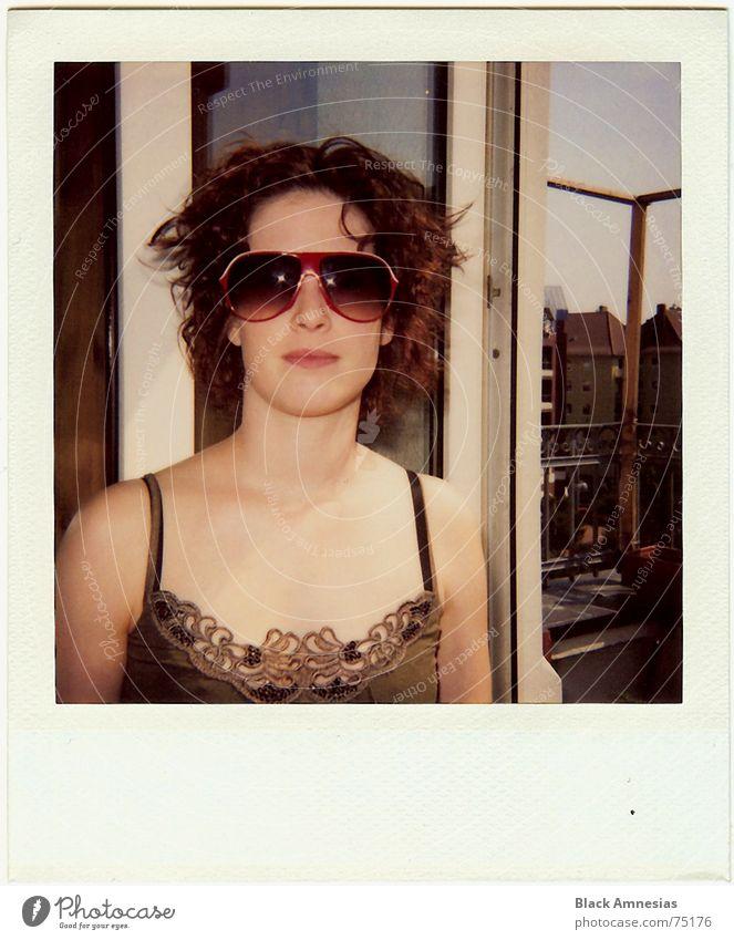 ist das maso I Mensch Sommer Stimmung Raum Tür Brille offen Balkon Wiederholung zurück Bewohner Wochenende