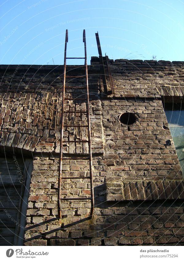 himmelsleiter... Himmel Fenster Stein Mauer Tür Loch Leiter