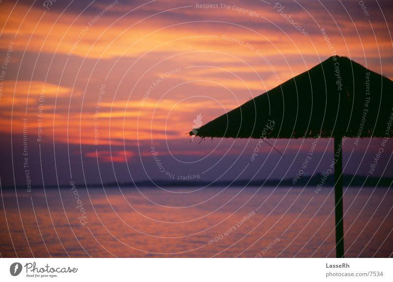 Sonnenuntergang 4029 (Version 392) Griechenland Strand Sonnenschirm Dämmerung Kitsch