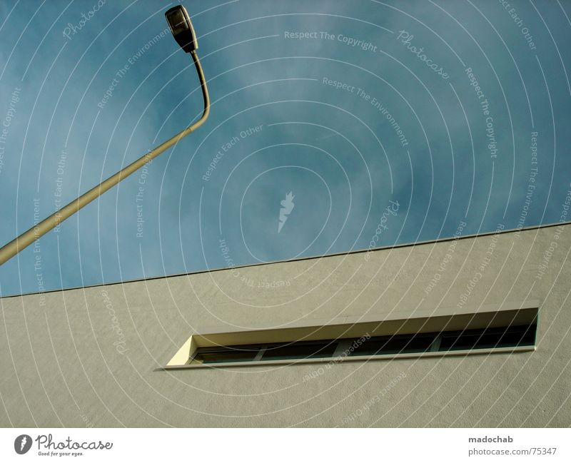 FORMENSPRACHE Himmel Stadt blau Wolken Haus Fenster Leben Architektur Stil Gebäude Freiheit fliegen Lampe oben Arbeit & Erwerbstätigkeit Wohnung